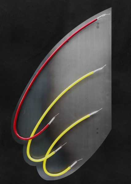 sonderanfertigung von neonleuchten auf einem 3 mm stahlblech. Black Bedroom Furniture Sets. Home Design Ideas