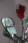 Gartenskultur aus Draht und Glasbrocken
