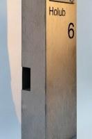 Freistehende Briefkastensäule aus Corten Stahl
