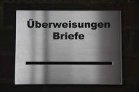 Edelstahl Briefkastenblende mit anlassbeschrifteter Schrift