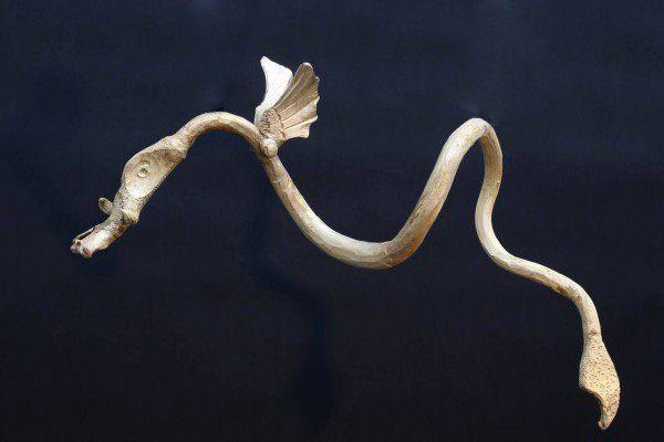 Drachenskulptur aus Bronze