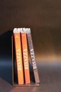 Buchstützen aus 3 mm Zunder Stahl