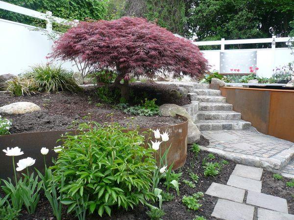 Hochbeet und ein koiteich aus corten stahl for Gartengestaltung cortenstahl