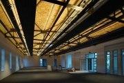 deckengerichtete LED Lichtwannen leuchten die gemauerte Kappendecke aus