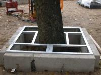 Unterkonstruktion für eine Baumscheibe aus verzinkten Gitterrosten für das Thega Filmtheater in Hildesheim