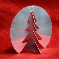 Dreh Tannenbäume aus handgeschliffenem Edelstahl im Dreierpack für nur 16 €