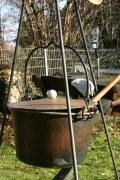Die mobile Suppenküche. Dreibein für einen Kochtopf