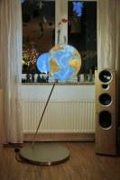 Halterung für einen beleuchtenden Globus