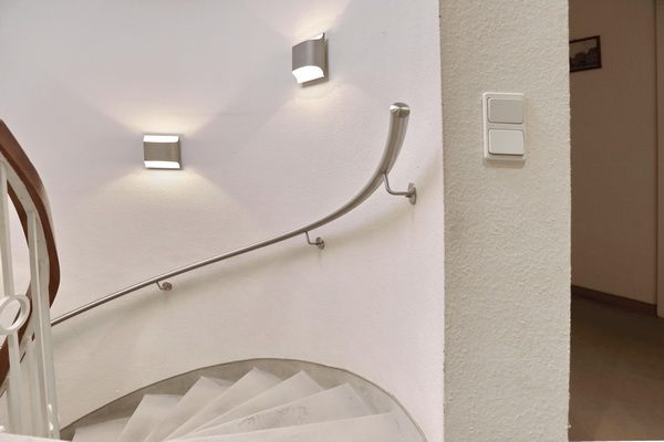 hochwertiger edelstahl handlauf f r eine wendeltreppe. Black Bedroom Furniture Sets. Home Design Ideas