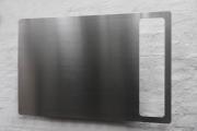 Magnetwand aus gelasertem Edelstahl mit einem Ausschnitt
