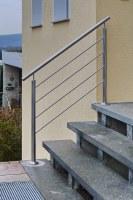 Treppengeländer aus Edelstahl Rohr und 12 mm Vollmaterial