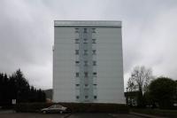 das dritte Geländer aus Edelstahl Vierkantrohr und satiniertem Sicherheits Glas für ein Hochhaus in Bad Harzburg