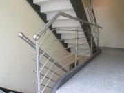 Treppen- und Brüstungsgeländer aus wunderschönem Edelstahl