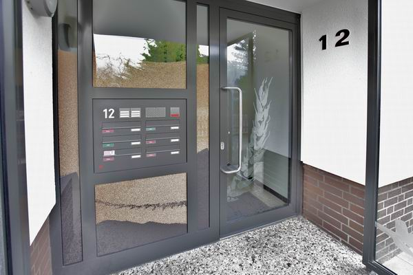 Entwurf einer Eingangstür für ein Mehrfamilienhaus
