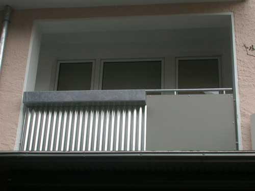balkongel nder resopal und wellblech aus aluminium. Black Bedroom Furniture Sets. Home Design Ideas