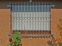 Fenstergitter aus Halbfertigteilen