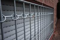 Fenstergitter aus verzinktem Stahl. Nach wie vor der beste Einbruch Schutz