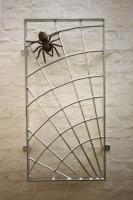 Feuerverzinkter Stahl - Fenstergitter mit Bronzespinne