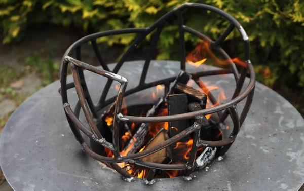 Feuerschale aus Stahl - wunderschönes Gartenfeuer für Ihre Terrasse