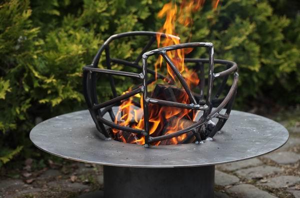 Feuerschale aus stahl wundersch nes gartenfeuer f r - Gartenfeuer ethanol ...