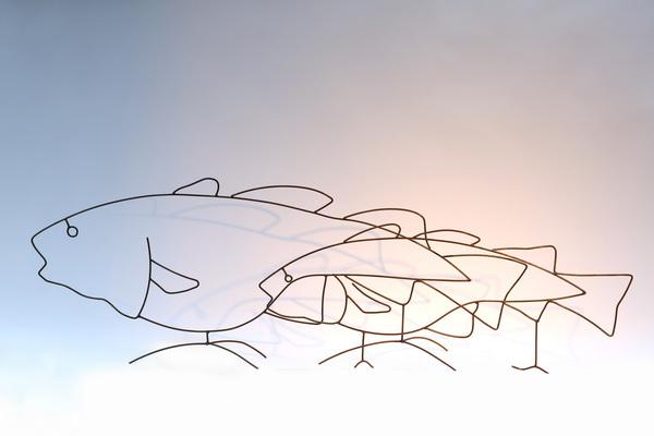 zwei Fische aus 5 mm Draht