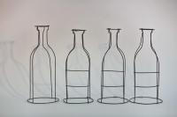 Stillleben - 4 Flaschen aus 2 mm Draht