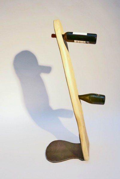 Stahl Sockel für einen geschnitzten Flaschenhalter aus Eiche