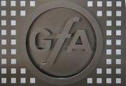Paravent aus gelasertem Edelstahl Lochblech mit Logo