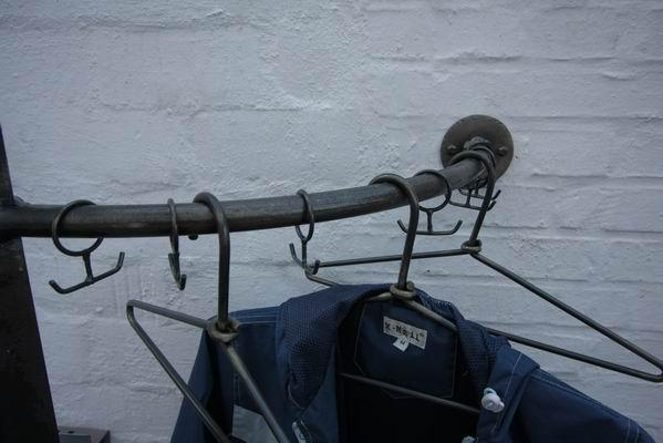 Garderobe minotaurus wandbefestigt aus stahl geschmiedet for Garderobe 220 cm