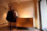 Super schöne, wandhängende, vergoldete Flurkommode - Sideboard mit Garderobe