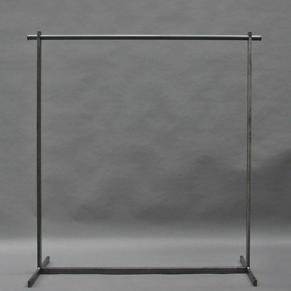 garderobe aus roh stahl. Black Bedroom Furniture Sets. Home Design Ideas