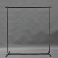 Garderobe aus Roh-Stahl