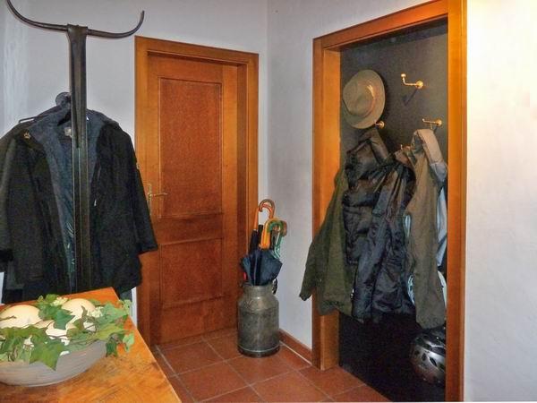 garderoben blech f r eine nicht mehr genutzte. Black Bedroom Furniture Sets. Home Design Ideas