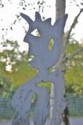 rostige Skulptur aus plasmagetrenntem Stahlblech