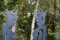 2 rostige Skulpturen aus plasmagetrenntem Stahl