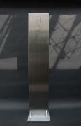 Traditionell gravierte Gedenkstele aus 15 mm Edelstahl für die Stadt Nürtingen