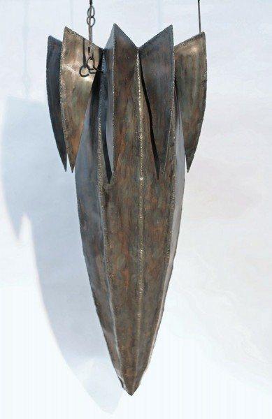 Hängendes Gefäß aus Stahl geschweißt