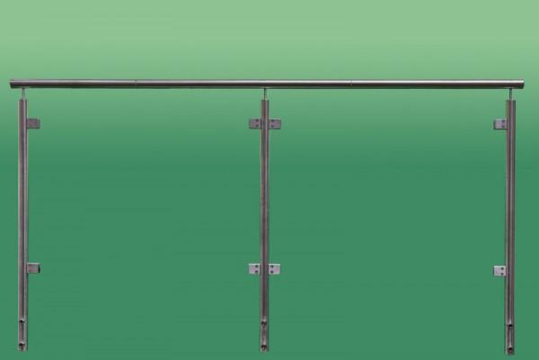 Geländer aus Edelstahl und satiniertem Sicherheits Glas