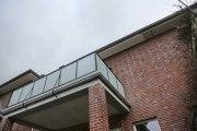 Geländer aus Stahl und Glas für ein denkmalgeschützes Gebäude