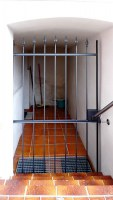 Gittertüre mit Hespeneisen