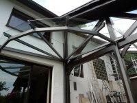 Terassendach aus Stahl und Glas