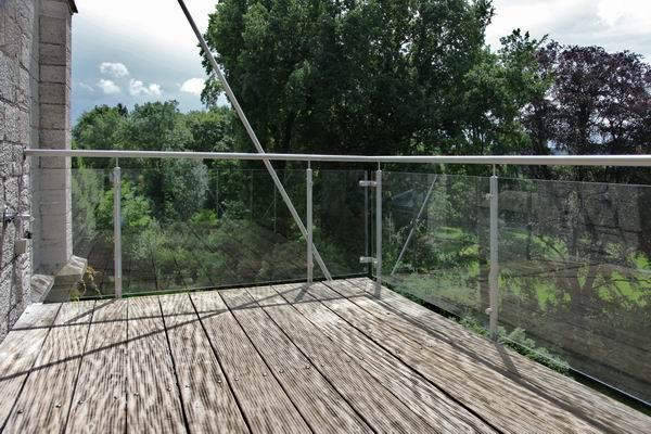 balkongel nder aus edelstahl und sicherheits glas. Black Bedroom Furniture Sets. Home Design Ideas