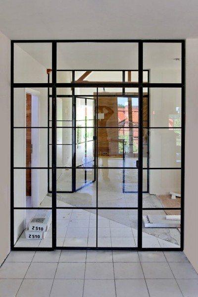 zwei glastrennw nde im loftcharakter aus stahl und glas. Black Bedroom Furniture Sets. Home Design Ideas