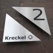 Achteckiges Klingelschild mit Hausnummer aus hochwertigem Edelstahl