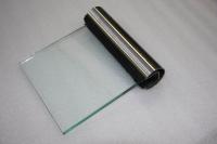Muster eines Handlauf aus Edelstahl mit einer Glasscheibe