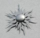 Sonne aus Edelstahl für das Haus Sonne