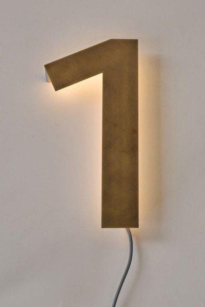 30 cm hohe Hausnummer aus Tombak mit LED Beleuchtung