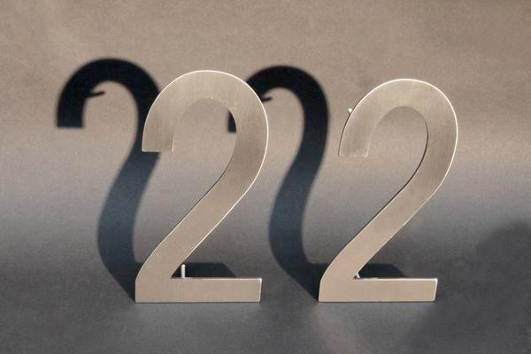 V2A Hausnummer mit 2 Ziffern
