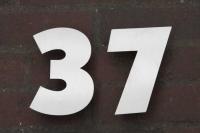 Hausnummer aus Edelstahl gelasert