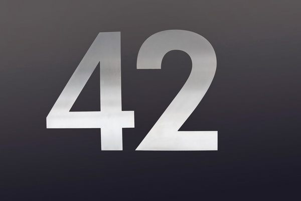 42 - Edelstahl Hausnummer in 3 mm Materialstärke